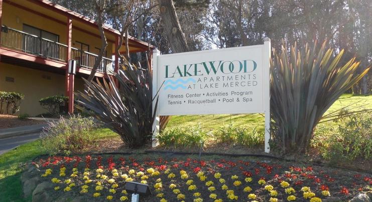 Lakewood Apartments at Lake Merced - StressFree Relocation